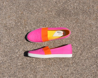 90s hot pink slip on sneakers / 1990s colorblock canvas flats / vintage fabric espadrilles 6