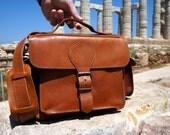 Tan Leather DSLR Camera Bag with Padding / Greek Messenger Bag with Insert Divider / Shoulder Bag