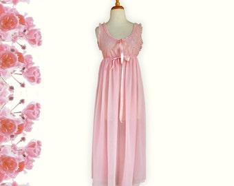 GOUPILLE DE Pâle.  Vintage  Long Pale Pink Nightgown.  Size Medium to Large