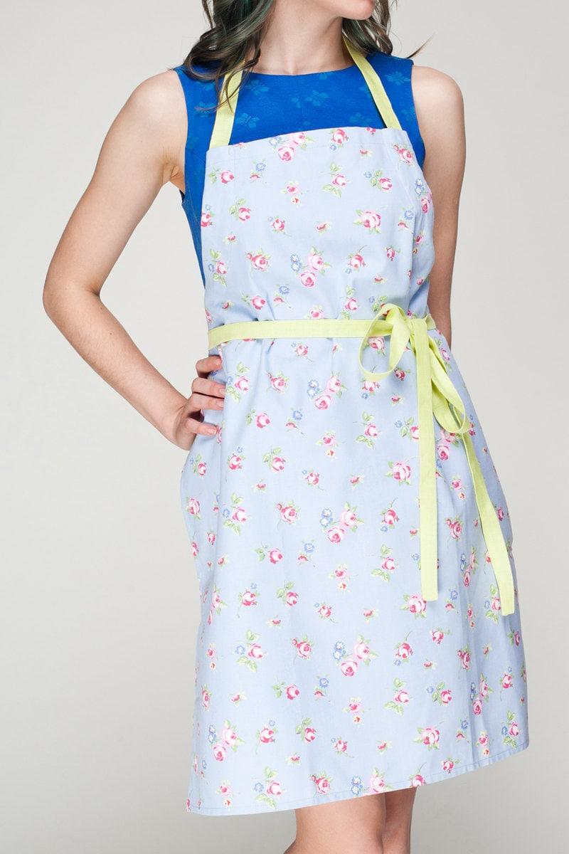 aprons for women floral ladies apron elegant pinny womens. Black Bedroom Furniture Sets. Home Design Ideas