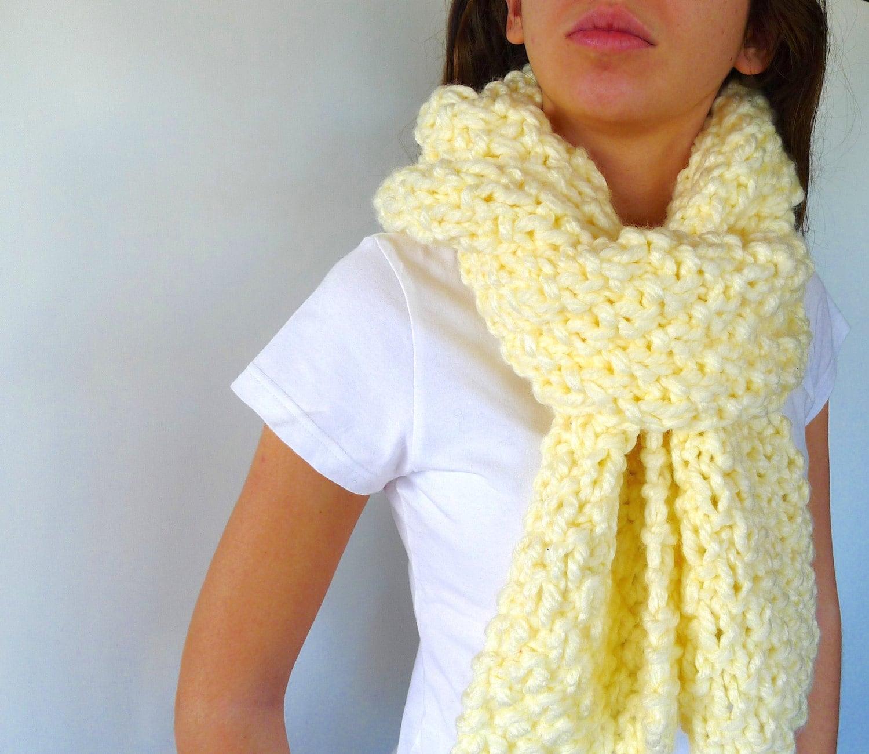 Bufanda a dos agujas. Punto bufanda lana gruesa. Bufanda punto para mujer. Bufandas tejidas hechas a mano. Ideas para regalar para ella