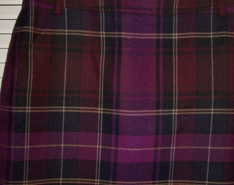 Skirt 8,  Ellen Tracy Short 100%  Wool Plaid Lined Smart Little Skirt  8 Petite