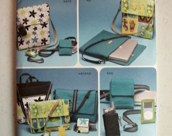 Simplicity Sewing Pattern For Tech Items Laptop Bag, Cases, & Tote