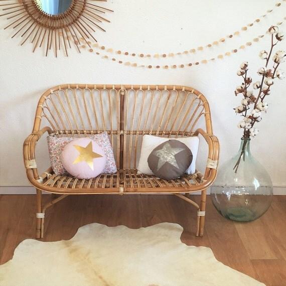 vendu banquette en rotin banquette 2 places par. Black Bedroom Furniture Sets. Home Design Ideas