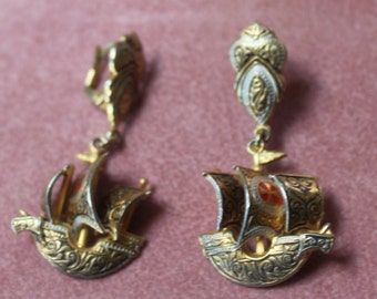 Spanish Gold Damascene/Drop Earrings/Spanish Galleon/Omega Backs/Vintage