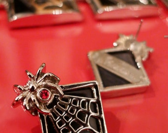 The Vamp, Silver & Black Vintage Inspired Earrings