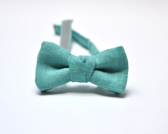Boy Bow Tie in Turquoise Green. Ring Bearer Accessory. Kids Bow Tie. Toddler Bow Tie. Boy accessory