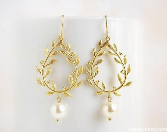 Pearl laurel earrings, Gold dangle earrings Swarovski white pearls, Gold branch leaf drop earrings, Ivory pearl earrings, Wedding jewelry
