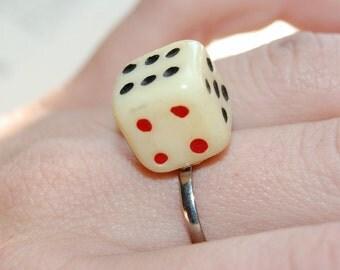 "Vintage Dice Ring White Vegas ""Lucky Six"" Gambling Ring Lucky Bet Lottery Winning Kitsch Novelty Game Retro Craps Card Game Slot Machine"