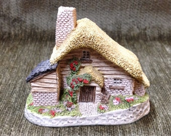 Drovers Cottage by David Winter, 1982, Cottage Figurine, Handmade,Hand Painted, Made in England