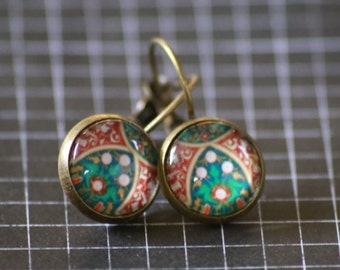 12mm Leverback Earrings - Cathedral Window