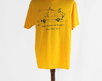 Vintage 1994 T-Shirt Los Angeles County Disaster Communications Fire Flood Or Quake? Hanes Heavyweight 50/50 Yellow