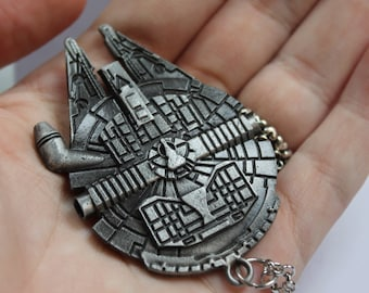Star Wars ship Millenium Falcon necklace