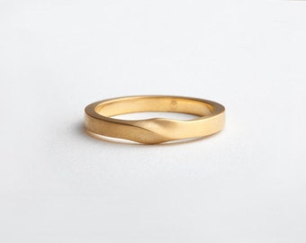 Minimalist Twisted Ring, Unique Wedding Ring, Thin Wedding Band for Man, 14k Yellow Mobius Ring, 18k Gold Wedding Ring