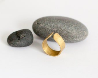 Large brass ring in soft drop shape, stylish in its simplicity, large flat band, modern ring (see the other pictures!)