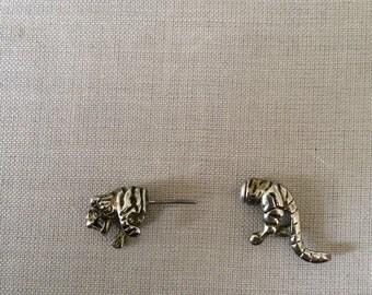 Gauge type leaping tiger single earring