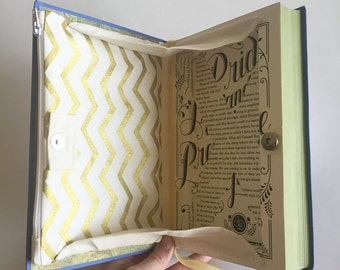 Pride and Prejudice Magnetic Book Clutch