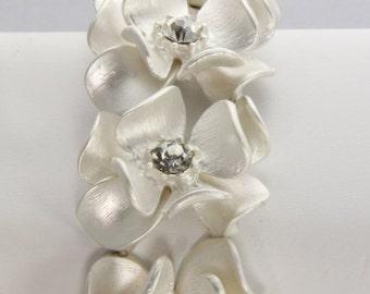 Hydrangea and Rhinestone Flower Bridal Stretch Bracelet