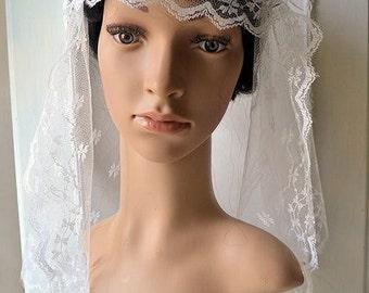 Antique short wedding  veil, silk tulle and Calais lace, 1920s