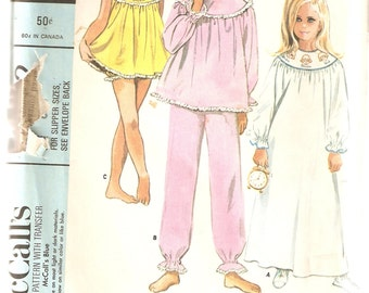 VINTAGE McCall's Sewing Pattern 8352 - Children's Clothes - Girl's Sleepwear, Size 8