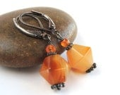 Carnelian Agate Amber Honey Orange Stone Earrings, Short Earrings in Oxidized Silver and Orange Gemstones, Thanksgiving Fall Season