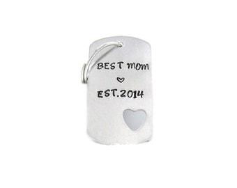 Best Mom Keychain, Aluminum Dog Tag Keychain, Personalized Keychain, Custom Keychain, Hand Stamped Keychain, Aluminum Heart Cut Out Keychain