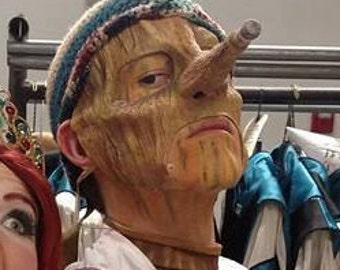 Pinnochio Mask with growing nose