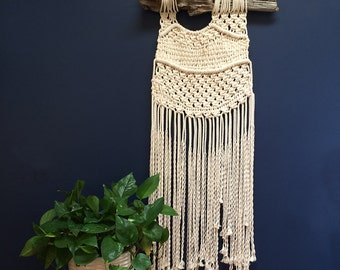 Large Neutral Macramé Wall Hanging on Driftwood, Large Contemporary Macramé Wall Hanging, Large Macramé Wall Hanging in Natural White