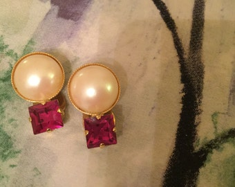 1970's fun Party Earrings.  Faux Pearl with cerise coloured plastic piece of sparkle.