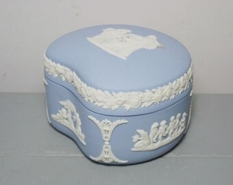 Vintage Wedgwood Jasperware Box/Wedgewood Jasperware Trinket/Blue and White Box/Blue Jasperware/Classical Style/Christmas Gift/Cherub Design