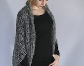 Shrug «Mae». Hand knitted. retro style. bicolour. Ecru and Black.
