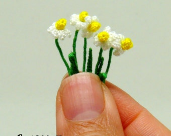 Miniature amigurumi crochet daffodil flower, daffodils are sold individually - choose quantity at checkout.
