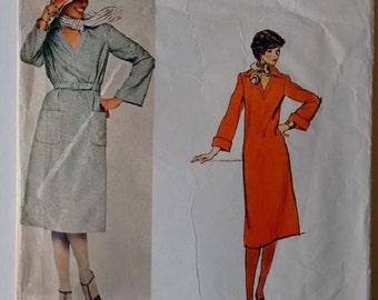 Vintage 70's Vogue's American Designer 1276 Bill Blass V Neck Shirt Kaftan Dress Sewing Pattern Size Medium