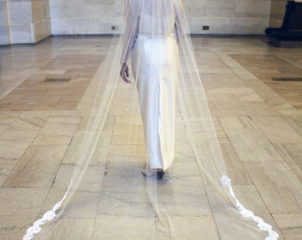 Cathedral Veil with Chantilly Lace Trim including beaded Alençon Lace Comb - Lesley