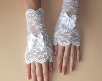 Decorated bride gloves Wedding Gloves Lace gloves White lace gloves Fingerless white gloves Bridal fingerless gloves