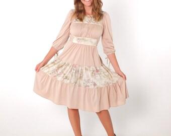 1970s Vintage Taupe Boho Gypsy Peasant Milkmaid Dress