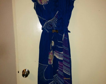 1970s Japanese Blue Chiffon Dress Floral Print Asymmetric V-Neck Pleated Midi Belt Size 7 UK 8/10 US 2/4 b32
