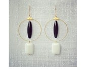 CGC021 - Minimal geometric drop gold earrings with black and white onyx stones