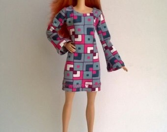Barbie dress with trumpet sleeves retro pattern