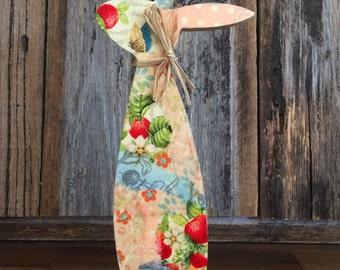 10.5x28cm Wooden Rabbit Decoration - Berries theme