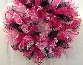 Deco Mesh Wreath, Pink, Wreath, Hot Pink, Black, Polka Dot,Hot Pink Polka Dot, Fushia, Black and White Polka Dot, Mesh Wreath, Canada Wreath