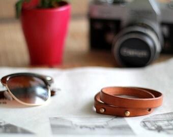 Leder doppel Armband braun minimalistisch Herren Damen handgefertigt vintage Geschenk für Ihn Geschenk für Sie dünn