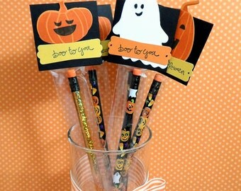 Kids Halloween Favors, Halloween Prizes, Trick or Treat, Halloween Pencils, Personalized, Halloween Gifts, Pencil Treat Bag & Toppers