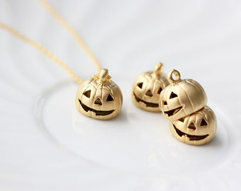 SALE Gold Pumpkin Necklace - Pumpkin Necklace Halloween Pumpkin Jewelry Jack-o-Lantern Jewelry Halloween Necklace Tom Design