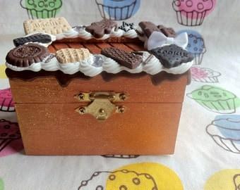 Small Chocolate Jewelry Box