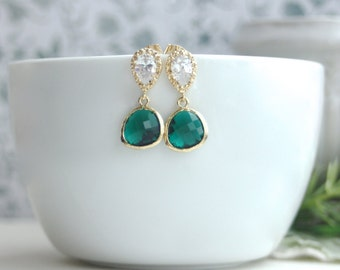 Emerald Green Glass Pear Gold Earrings. Wedding Jewelry, Bridal. Bridesmaids Gifts. Emerald Gold Wedding. Dark Green Earrings, Green Wedding