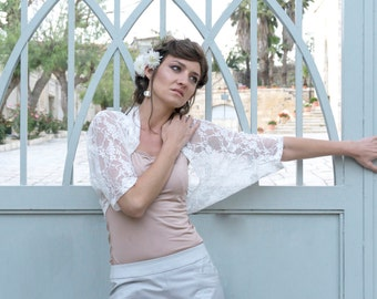 Bridal lace shawl, beach wedding shawl, wedding shawl,  bridal lace cover up, White lace shawl, bridal wraps and shawls, beach bridal