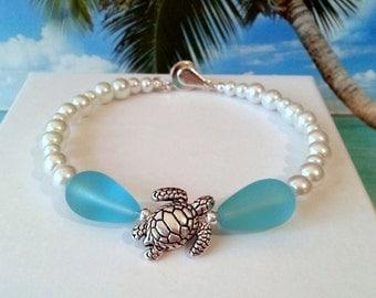 Sea turtle seaglass beads bracelet sea glass bracelet white pearl bracelet bridesmaids bracelets beach wedding jewelry memory wire bracelet