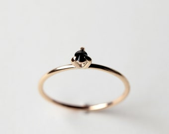 Eye 02 - black diamond gold ring - natural black diamond yellow gold ring - minimalist engagement ring