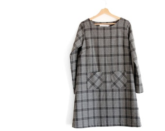 Retro woman winter tunic dress, minimal aline. Long sleeve, patch pockets on the front. Sizes XS to XL.